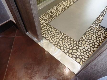 pavimento bagno pietra mosaico